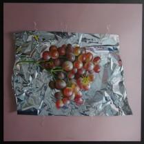 José Antonio Díaz Barberán - uvas rojas y aluminio 40x40